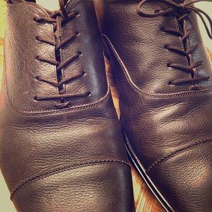 Ferragamo Mens Cap-toe Oxfords in chocolate brown